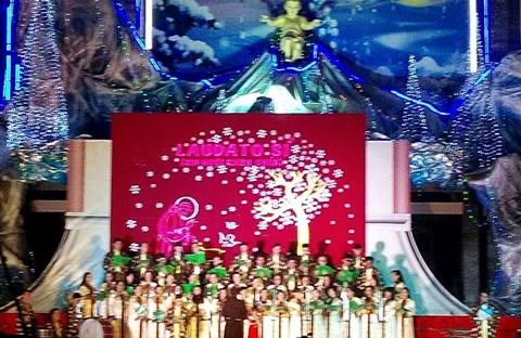 CĐ QUÊ HƯƠNG 19-12-2015 tham gia Diễn Nguyện mừng Chúa Giáng Sinh tại Giáo xứ Ngọc Lâm