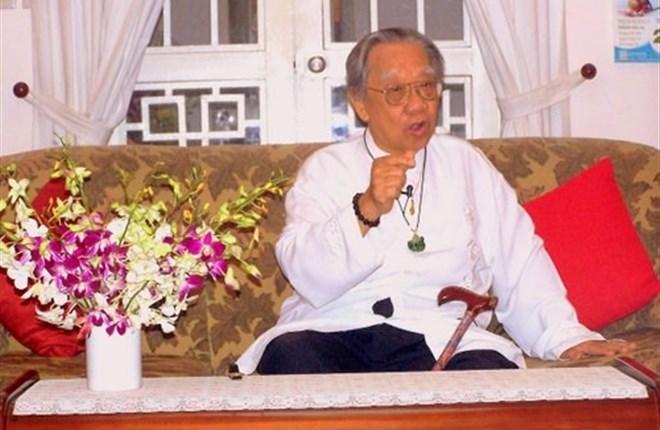 Giáo sư Tiến sĩ Trần Văn Khê, một nhà hoạt động văn hóa nghệ thuật không mệt mỏi