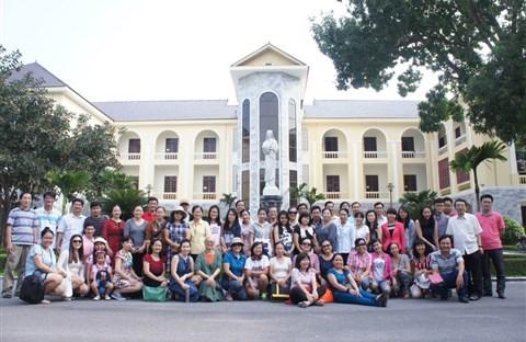 Ca đoàn Quê Hương du ngoạn tại Vinh & Hà Tĩnh 11-13/9/2015