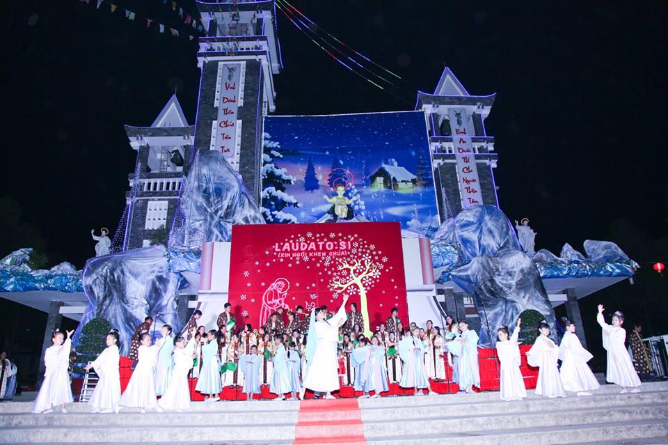 CĐ QUÊ HƯƠNG 19-12-2015 tham gia Diễn Nguyện mừng Chúa Giáng Sinh tại Giáo xứ Ngọc Lâm - 8