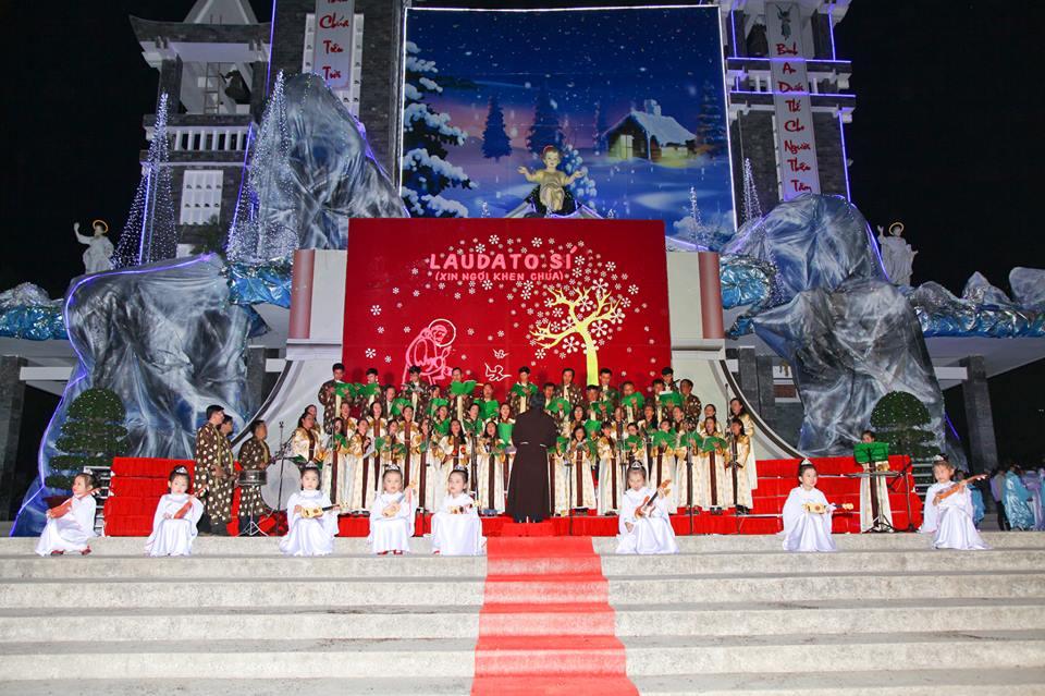 CĐ QUÊ HƯƠNG 19-12-2015 tham gia Diễn Nguyện mừng Chúa Giáng Sinh tại Giáo xứ Ngọc Lâm - 7