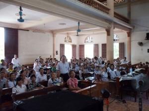 XT và các học viên trong Tuần lễ (11-18/8/2012) học cấp tốc XA1 tại giáo xứ Thanh Dạ, Hạt Thuận Nghĩa, Gp Vinh