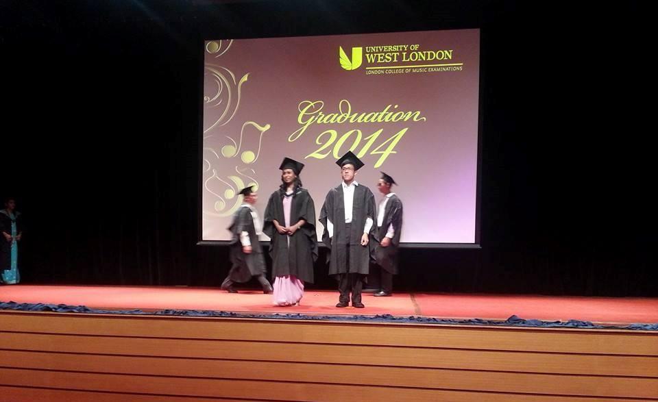 Tham dự lễ Trao bằng  của Khoa Khảo Thí thuộc Trường Âm nhạc LCM (London College of Music Examinations) thuộc Đại học West London - 1