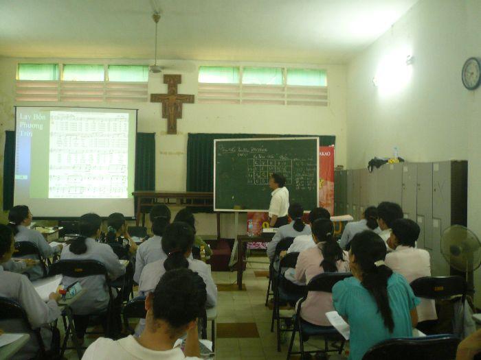 Hình Ảnh Lớp Nhạc Hè 2010 - Lớp Thanh Nhạc 1 - 7