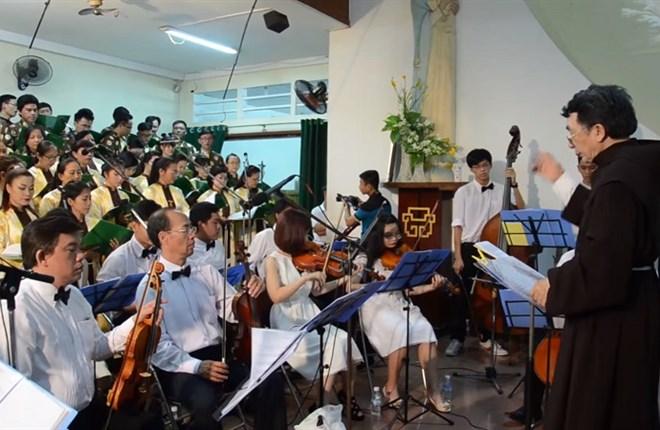 Ca Phục Sinh... Halleluia của Handel do Ca Đoàn và Dàn Nhạc Quê Hương trình tấu 2016 Đakao